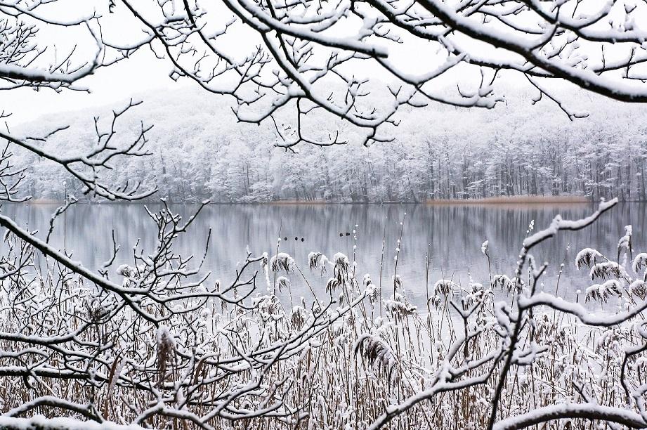 winterlicher Tiefwarensee
